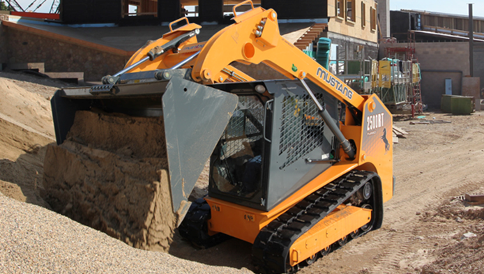 Mustang introduces the 2500RT Track Loader With an Operating